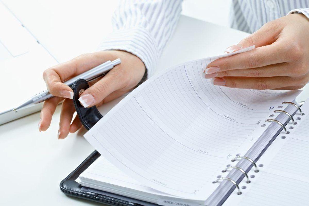 HOLD DEN FØRSTE DAG FRI FOR MØDER:  Hvis du sidder på kontor: Prøv at holde den første dag fri for møder, så der er tid til at komme igennem mailbakken og lige lande igen. Foto: Scanpix