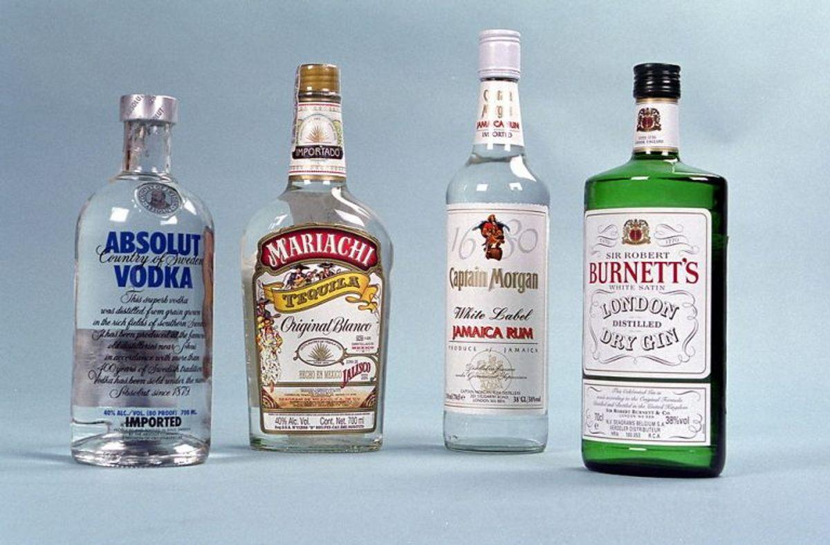 Spiritus (over 22 procent alkohol samt drikkevarer tilsat spiritus):10 liter. Foto: Bjørn Kähler/Scanpix.