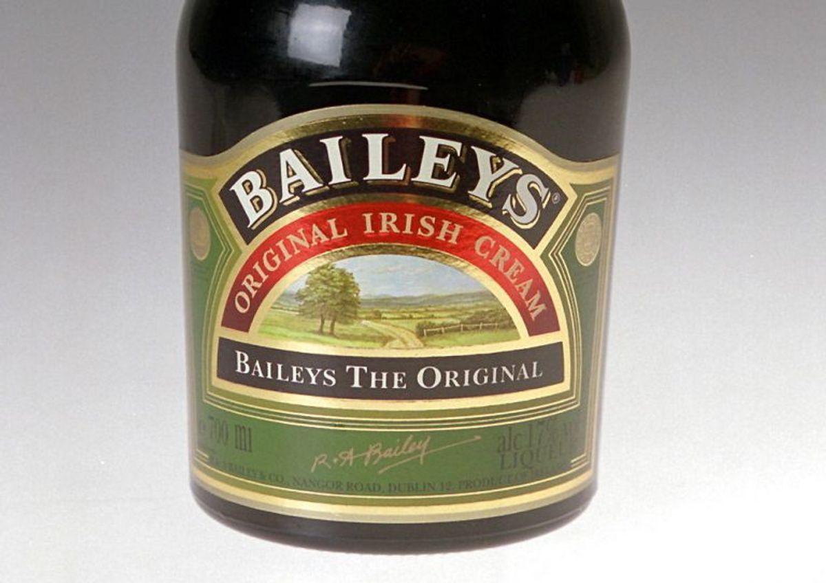 Hedvin (på eller under 22 procent alkohol, fx portvin, Bailey's Irish Cream, sherry og madeira): 20 liter. Foto: Kjersti Hjelmen/Scanpix.