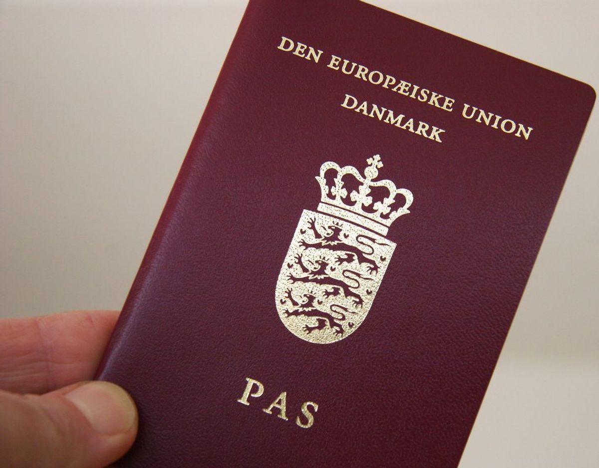Har du styr på kravet til pasfoto og reglerne for, hvilke lande du SKAL have dit pas med rundt i? KLIK FOR MERE. Foto: Scanpix.