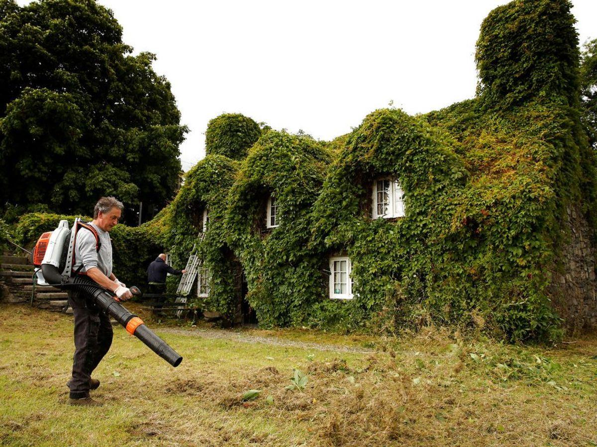 Så er huset blevet trimmet og man kan igen se både ind og ud af vinduerne. Foto: Scanpix.