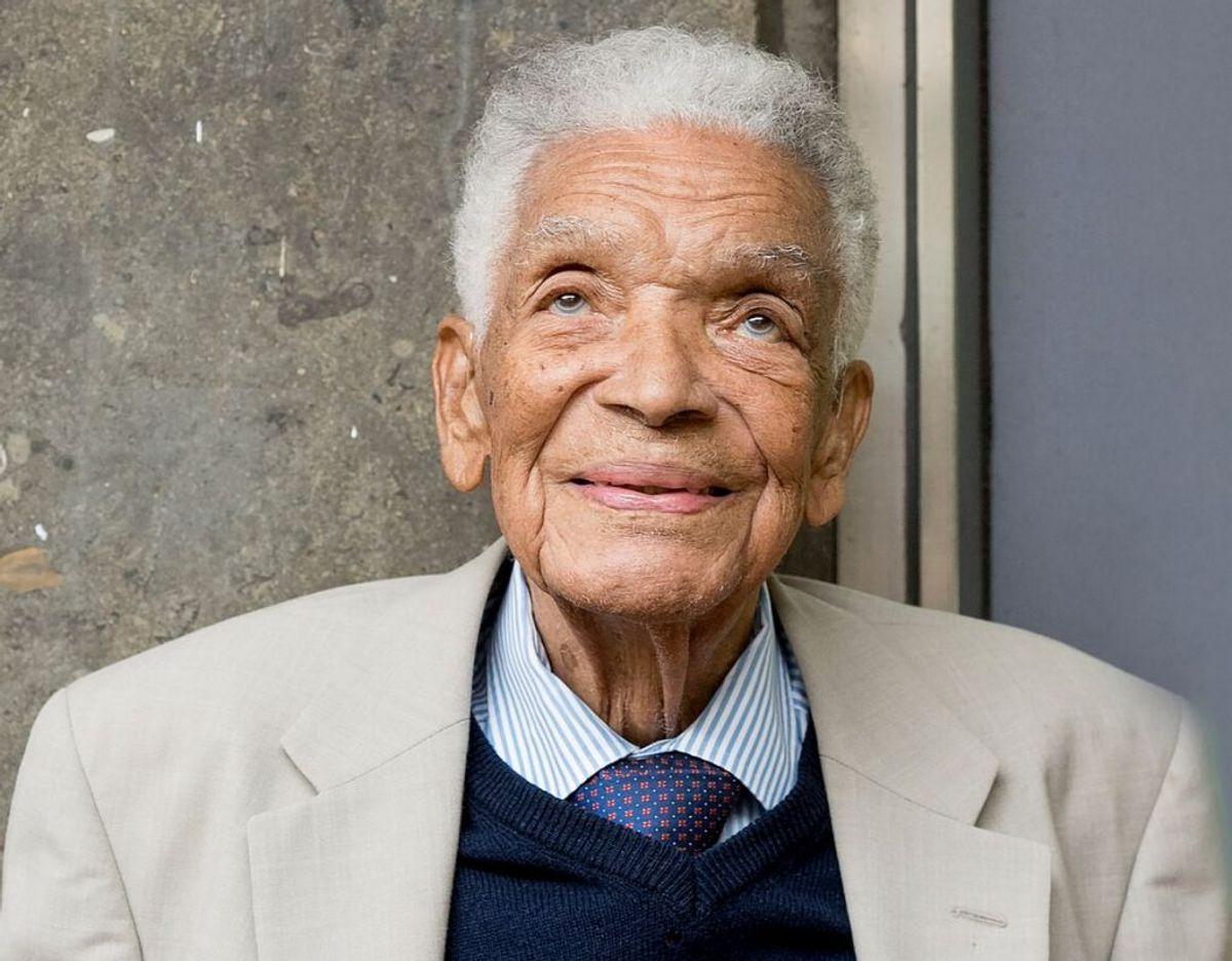 En pioner inden for britisk tv og film er død. Earl Cameron blev 102 år gammel. KLIK VIDERE OG SE FLERE BILLEDER. Foto: Wikimedia Commons/ Peter J Dunn