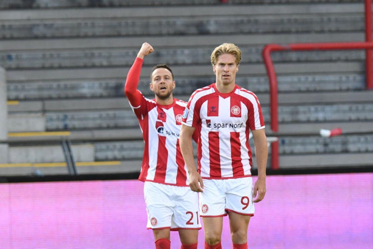 Patrick Olsen (til venstre) kom på tavlen mod sin tidligere klub. Foto: Ernst Van Norde/Scanpix