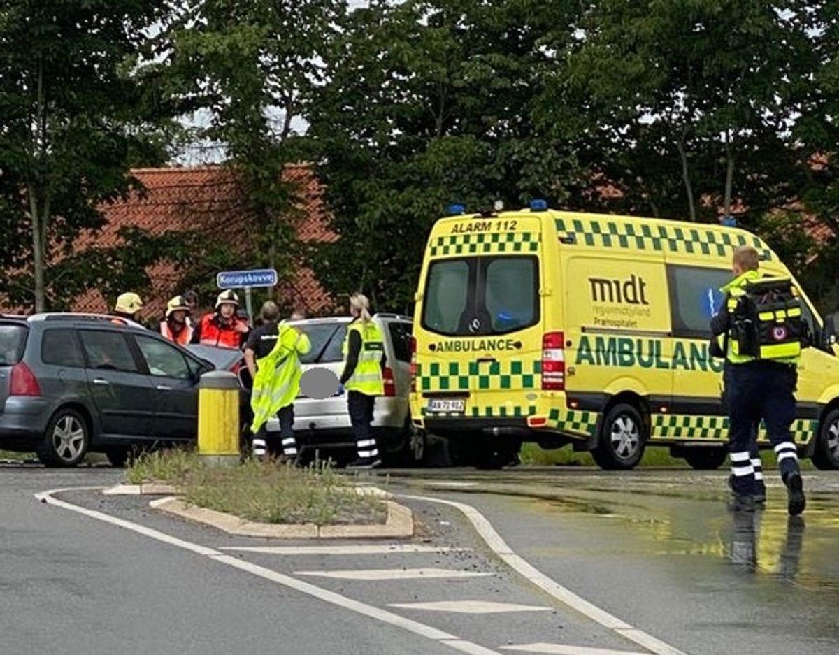 Det var i denne ulykke de fire personer blev kvæstet. Foto: Øxenholt Foto.