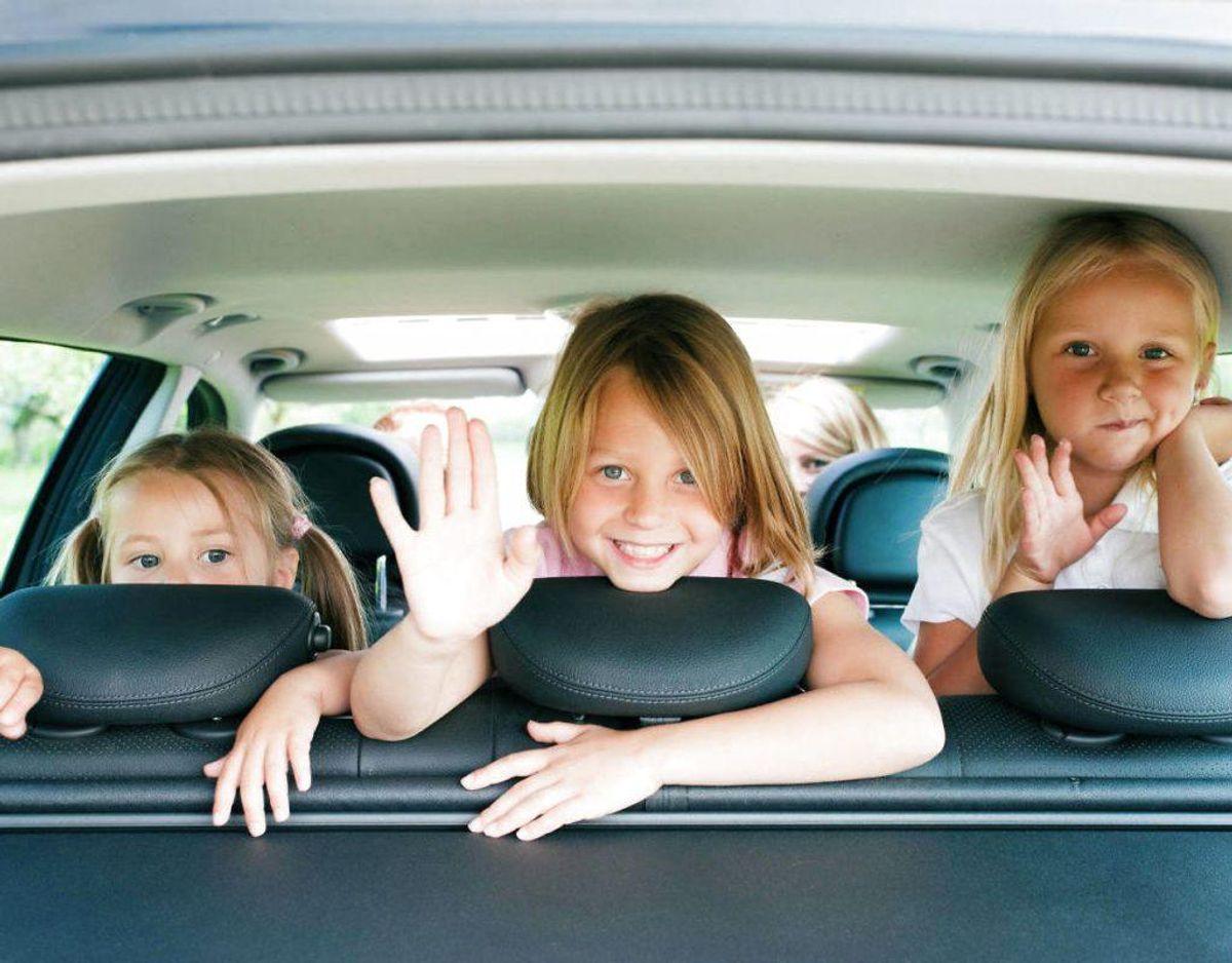 Undersøg reglerne for de lande, du skal køre igennem. Der er forskellige regler for overhaling og børns placering i bilen eksempelvis. Foto: Scanpix
