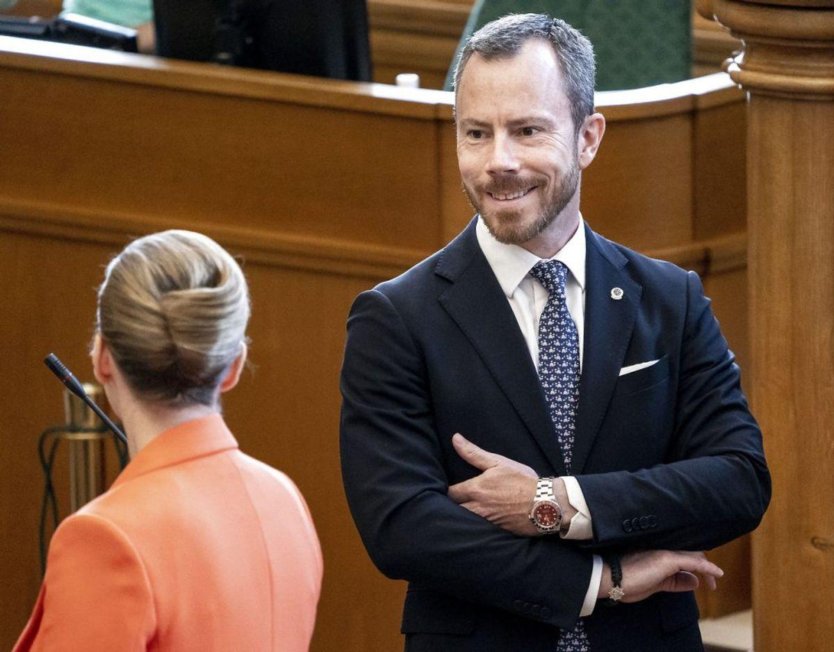 Arne skal tilsyneladende ikke regne med en håndsrækning fra Jakob Ellemann-Jensen (Foto: Mads Claus Rasmussen/Ritzau Scanpix)