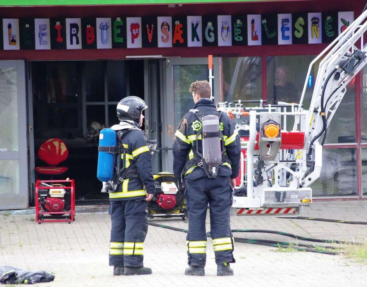 Tidligt torsdag morgen brød en brand ud på Gjellerupskole. Foto: Øxenholt Foto