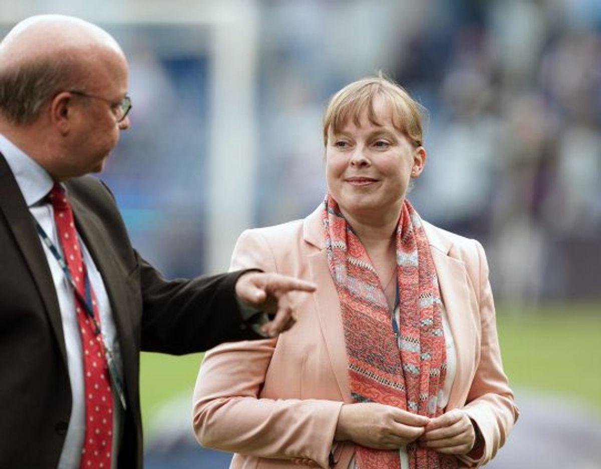 Kulturminister Joy Mogensen (S) kritiserede den måde, som nogle af AaB's fans stod tæt sammen på tribunerne til pokalfinalen mod Sønderjyske onsdag aften. Foto: Claus Fisker/Scanpix