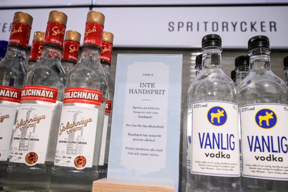 Flere unge ender på sygehuset efter at have drukket for meget alkohol. Se i bunden af artiklen hvor farligt alkoholforgiftning egentlig er. (Arkivfoto) Foto: Tt News Agency/Reuters