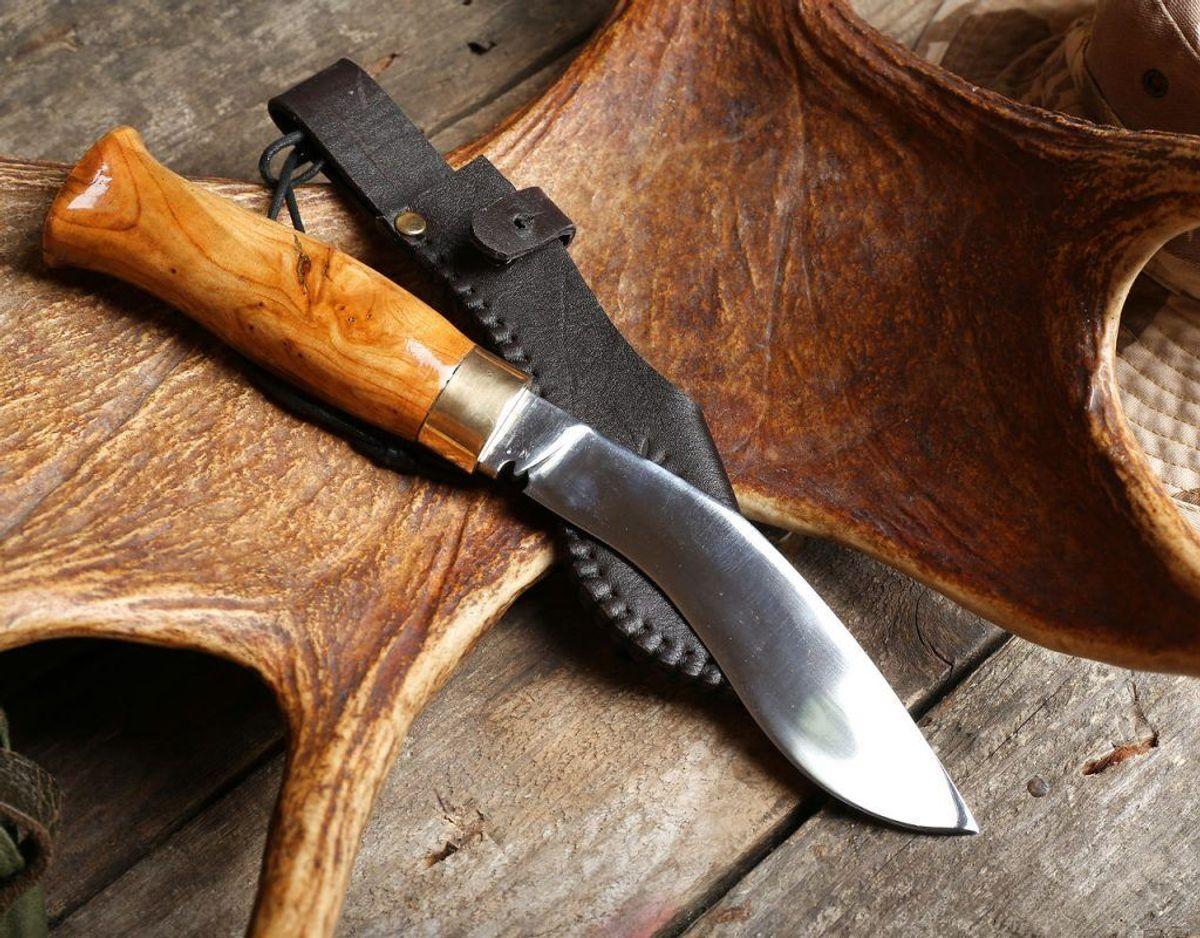 Det kræver også som udgangspunkt tilladelse fra politiet, hvis en kniv har en klinge på over 12 cm. Foto: Scanpix