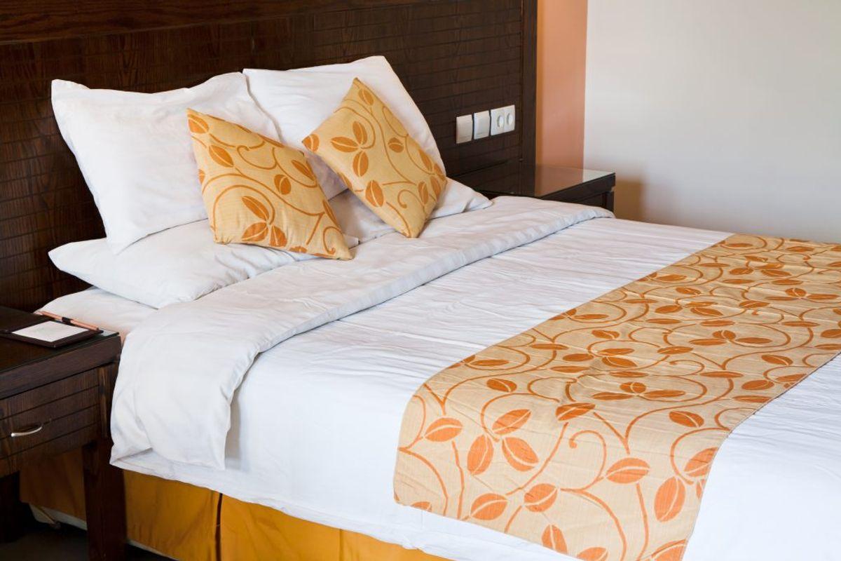 Selve madrassen kan være smækfyldt med døde hudceller – især hvis du har haft den i mange år. Faktisk anbefales det, at man skifter madras hvert 7./8. år. Kilde: The Healthy. Arkivfoto.