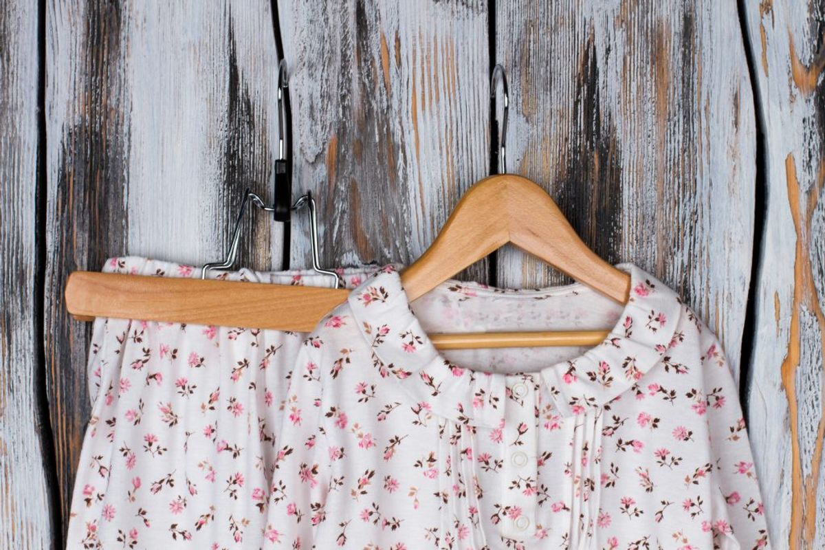 Sover du i den samme pyjamas hver nat? En pyjamas kan udvikle sig til en bakteriebombe – og du bør faktisk vaske din pyjamas op til hver tredje dag, hvis du sover i den hver nat. Kilde: The Healthy. Arkivfoto.