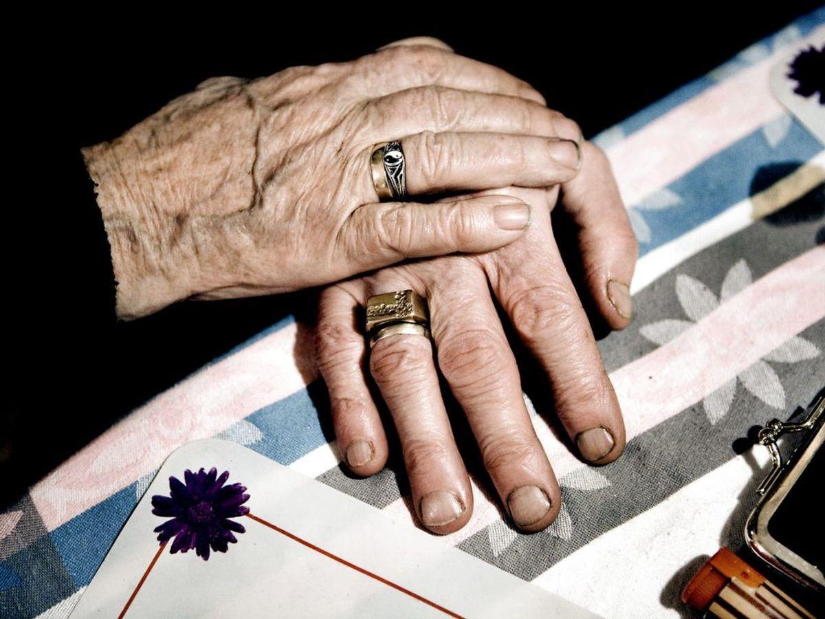 Personer på overførselsindkomst får en skattefri check på 1000 kroner. Det gælder blandt andet pensionister og førtidspensionister. Kilder: Finansministeriet, aftalepartierne. (Foto: Linda Kastrup/Ritzau Scanpix)