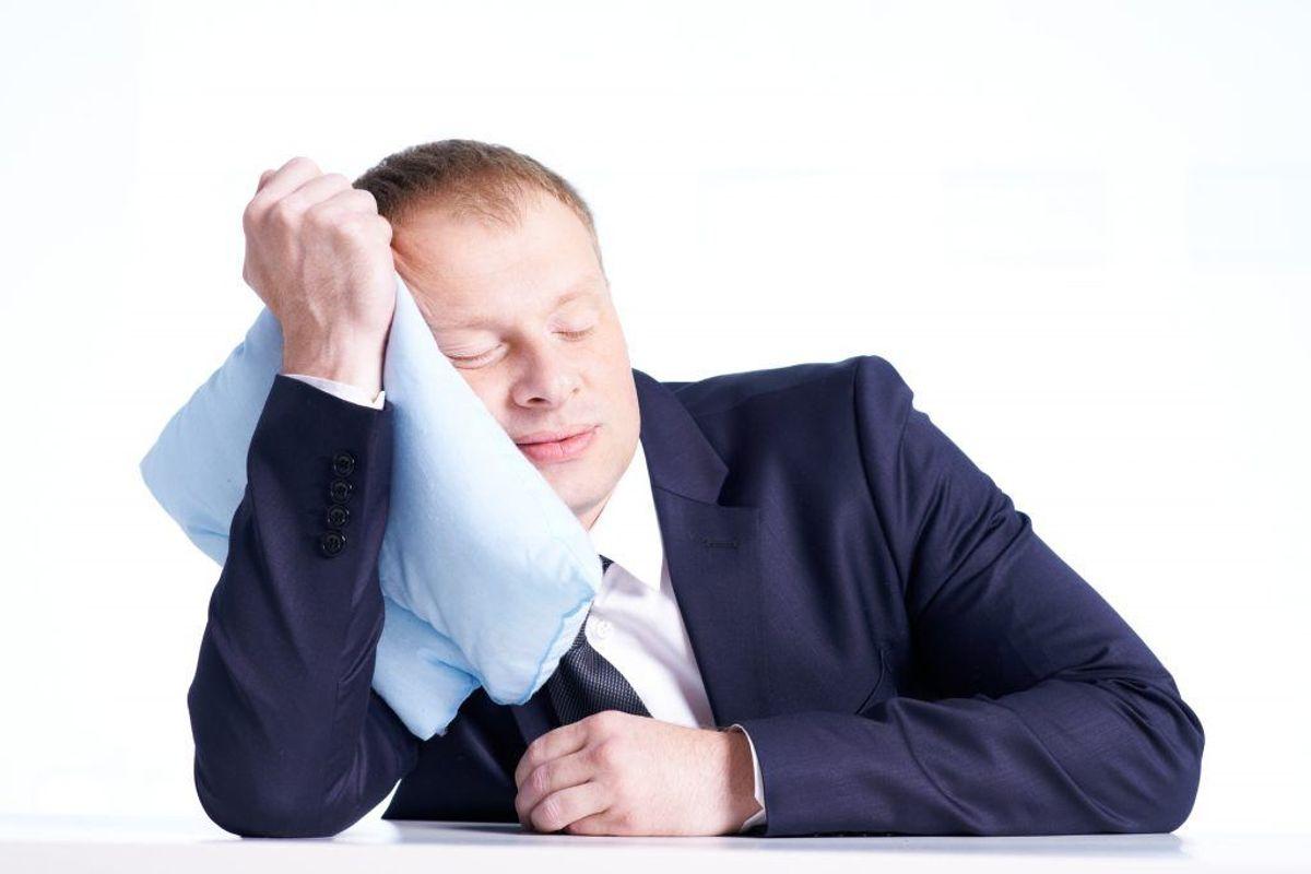 Stress og dårlig stemning på jobbet kan koste mange søvnløse nætter. Er der noget, som du – eller din chef – kan ændre på for at reducere stresspåvirkningerne?