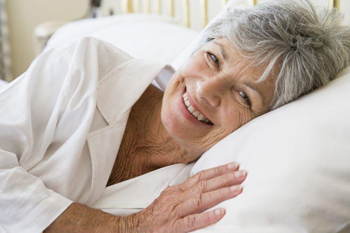 Få motion og frisk luft i løbet af dagen, så du er fysisk træt, når du går i seng.