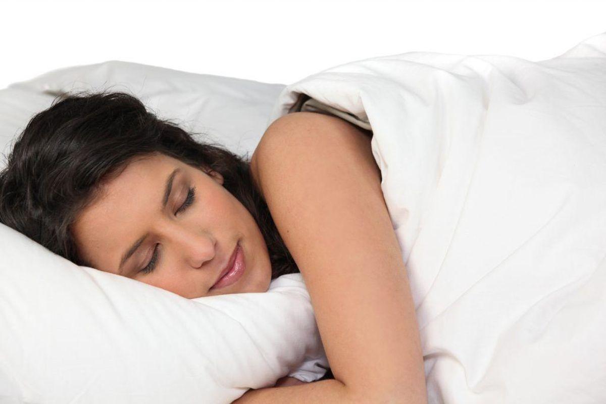 Giv dig selv en rolig og ritualiseret indflyvning til søvnen. Drosl tempoet ned og lad være med at dyrke motion, lige før du skal sove. Nyd ikke kaffe og andre stimulanser de sidste timer før sengetid.
