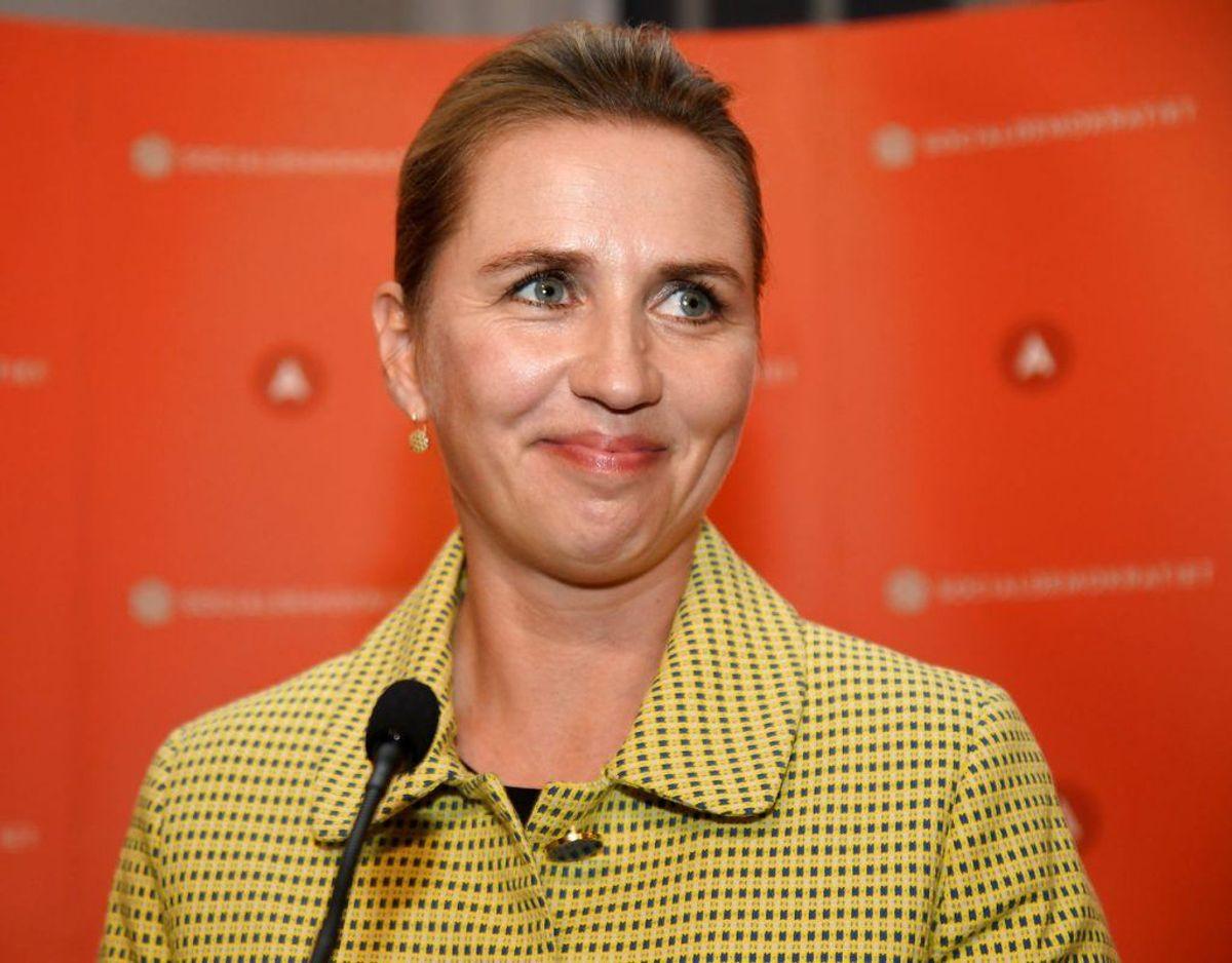 Mette Frederiksen er Danmarks statsminister. KLIK og se ministerlisten. Foto: Scanpix/Fabian Bimmer. KLIK og mød resten af ministerholdet.