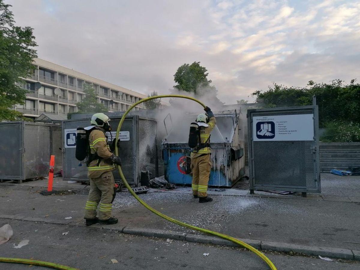 Ifølge fotografer fra stedet begyndte det ved 23-tiden i bydelen. Foto: Øxenholt Foto