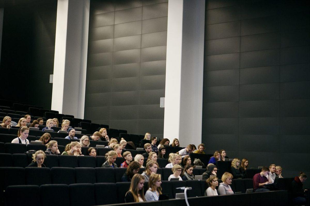 MÅ IKKE ÅBNE: Videregående uddannelser, som ikke allerede er åbnet (åbner i fase 4). Foto: Scanpix.