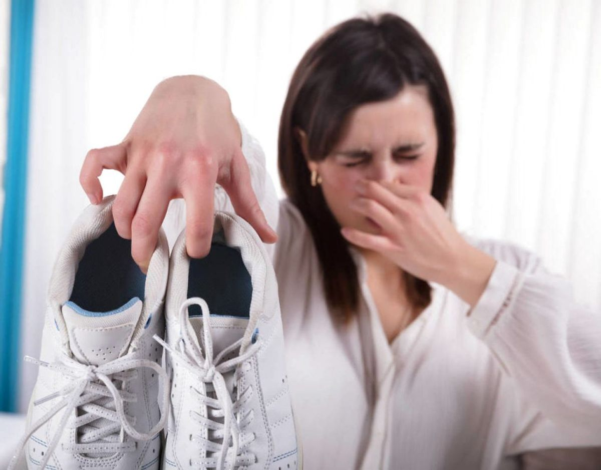 Når skoene begynder at stinke, er det på tide at få gjort noget ved det. KLIK VIDERE OG SE HVORDAN. Foto: Ritzau Scanpix/ Arkiv