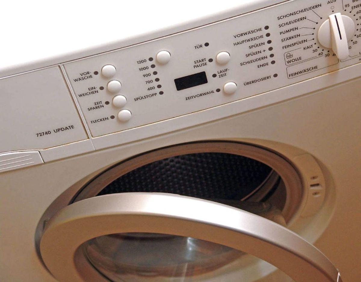 Nogle sko kan vaskes i maskine. Tjek også om dine sko kan tåle en maskinvask. Foto: Ritzau Scanpix/ Arkiv