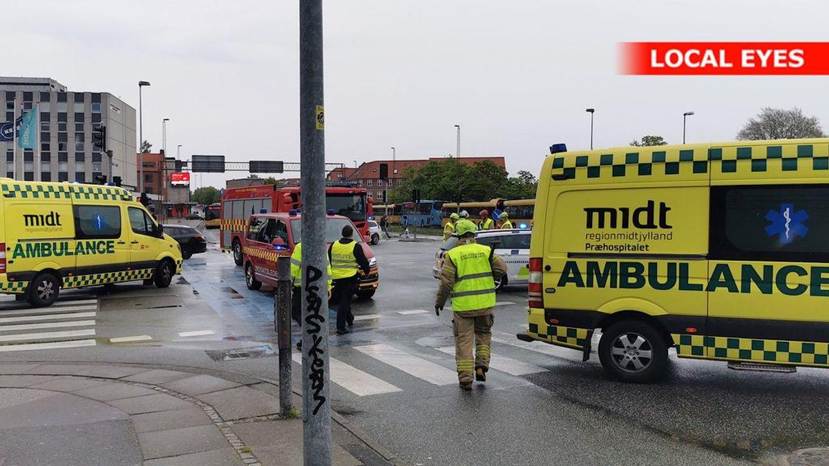 To personer er kørt på skadestuen. Foto: Local Eyes