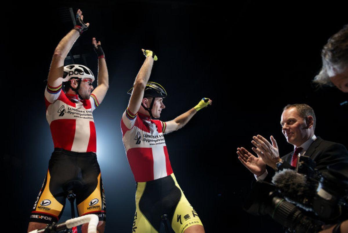 Michael Sandstød (til højre) var i årene 2013-19 ejer af det københavnske seksdagesløb. Løbet er blevet aflyst i 2020, og heller ikke i 2021 bliver der noget seksdagesløb i København. Løbets fremtidige skæbne er uvis. Foto: Liselotte Sabroe/Scanpix