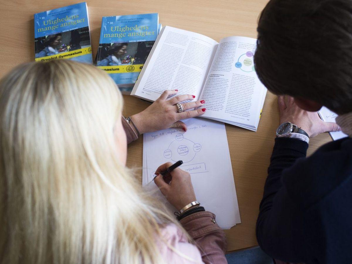 HØJ SMITTERISIKO: Gymnasiale uddannelser (stx, hhx, htx og hf) på nær elever 3.g, 2.hf., ASF-klasser på alle årgange. (Foto: David Leth Williams/Ritzau Scanpix)