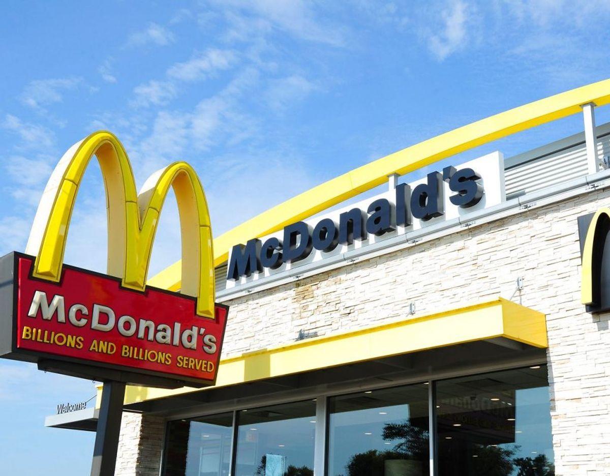 Fagforeninger fra hele verden er gået sammen i at indgive en klage til OECD, da flere ansatte på McDonald's-restauranter er blevet udsat for seksuel chikane. KLIK VIDERE OG SE FLERE BILLEDER Foto: Karen BLEIER / AFP