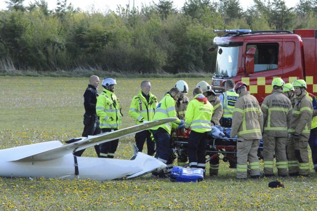 Et svævefly er styrtet ned uden for Aarhus. Foto: Øxenholt Foto