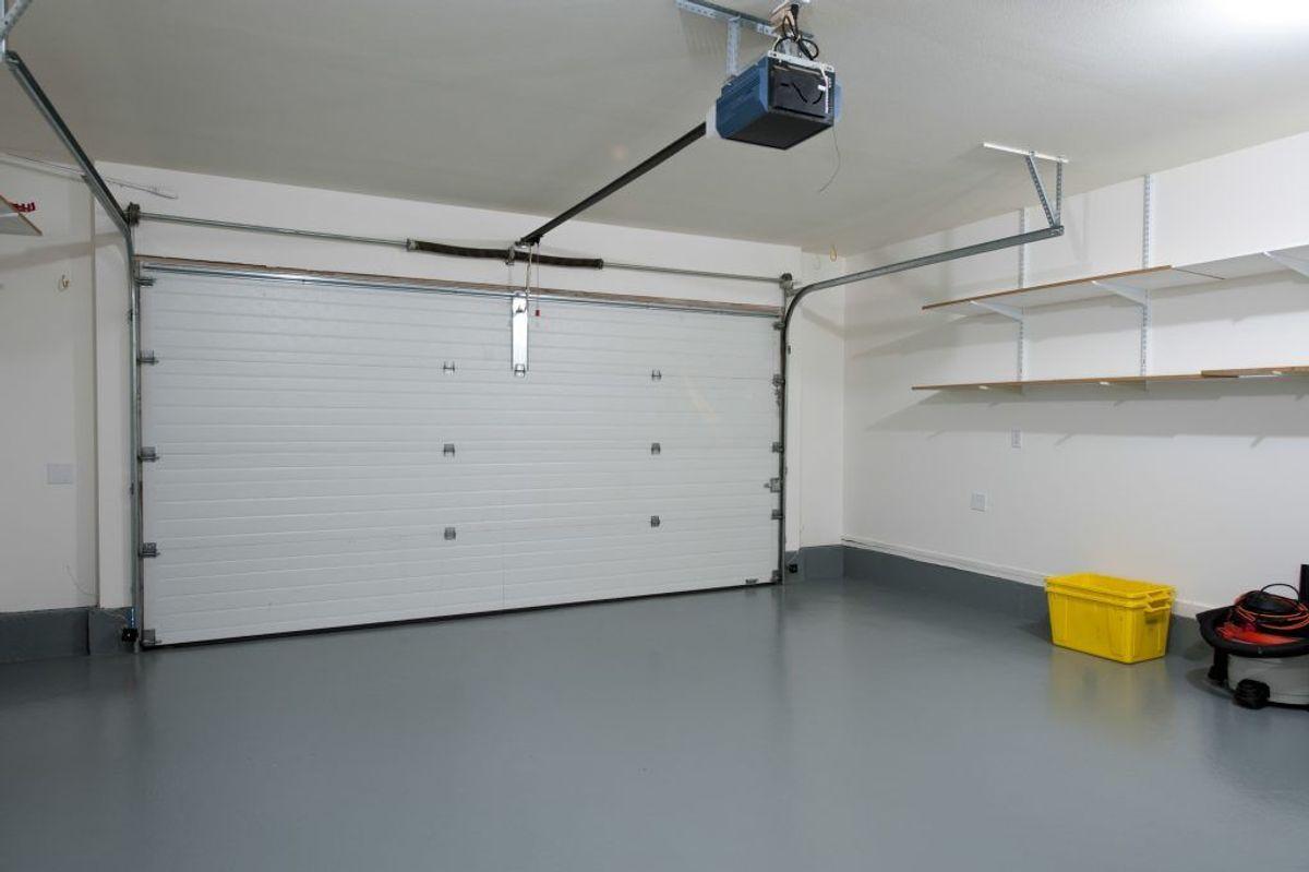 Gulvet i garagen. Arkivfoto.
