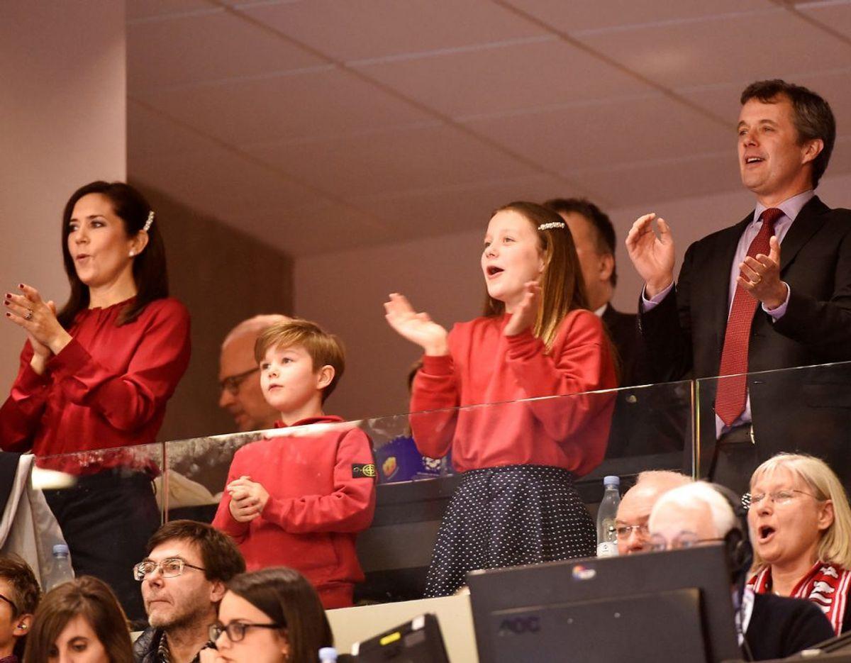 I 2019 heppede prinsesse Isabella på det danske herrelandshold i håndbold, da de spillede på hjemmebane. Foto: REUTERS/Fabian Bimmer