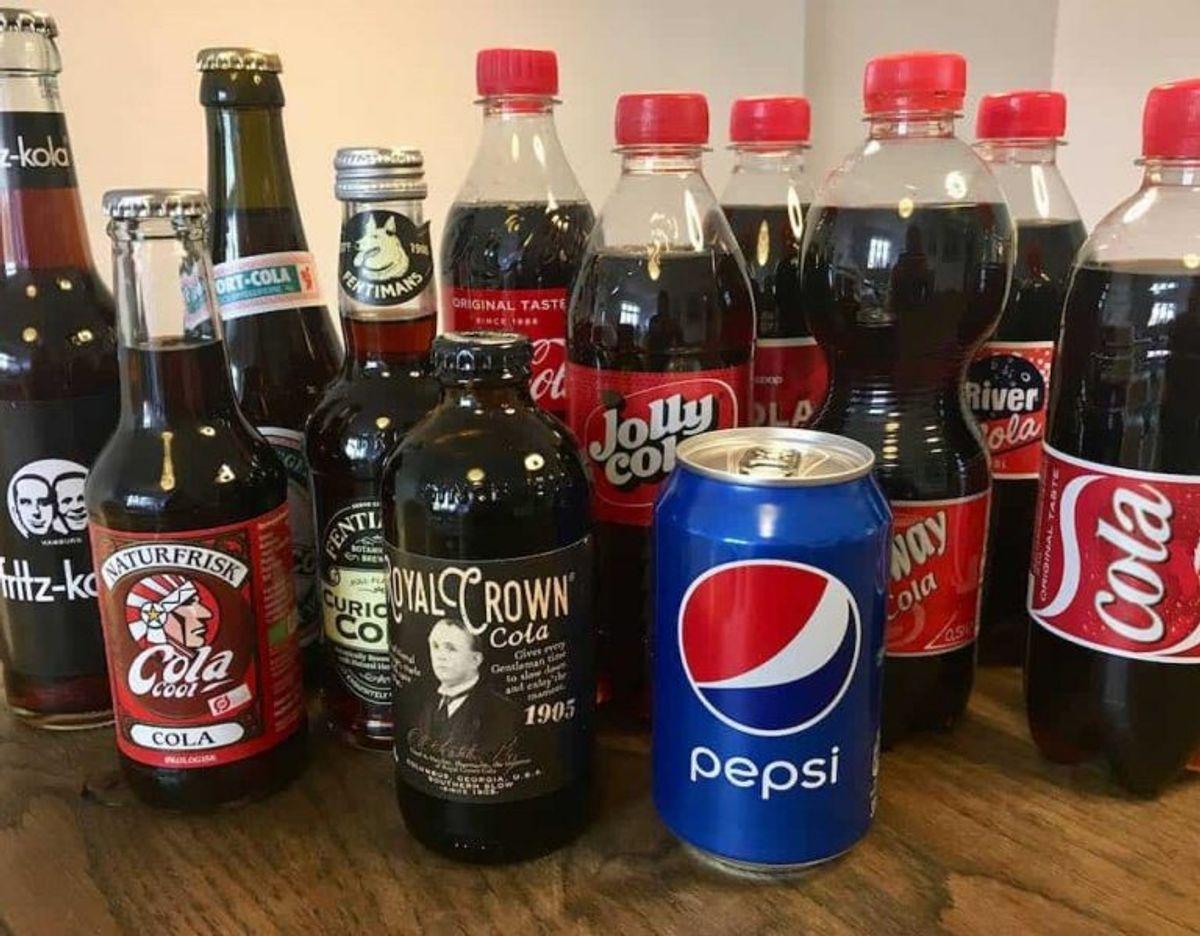 KLIK VIDERE i den store cola-test. Se hvor mange stjerner de forskellige får – og læs hvorfor. Er du også vild med vinderen? Foto: Madensverden.dk.