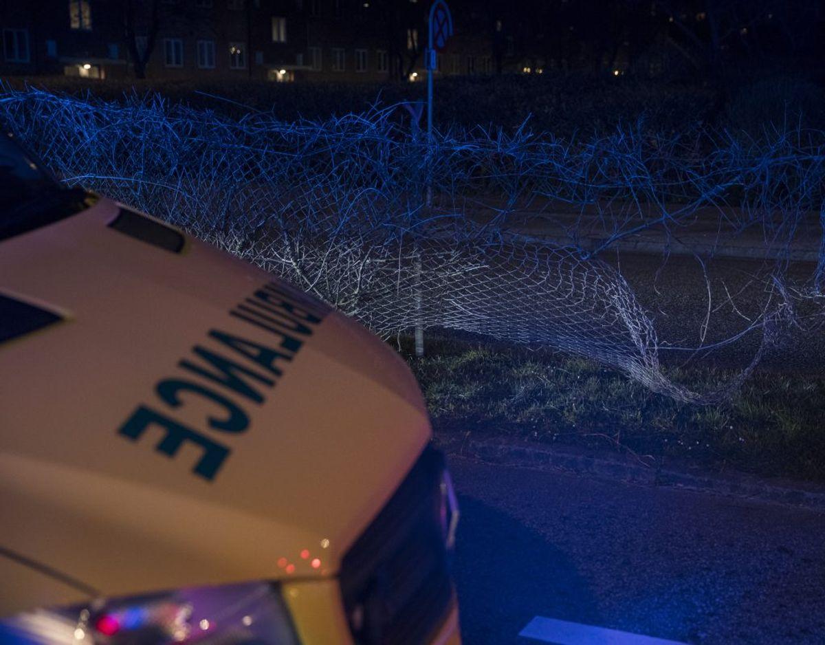 Uheldet skete, da to biler stødte frontalt sammen. Foto: Rasmus Skaftved. KLIK for mere.
