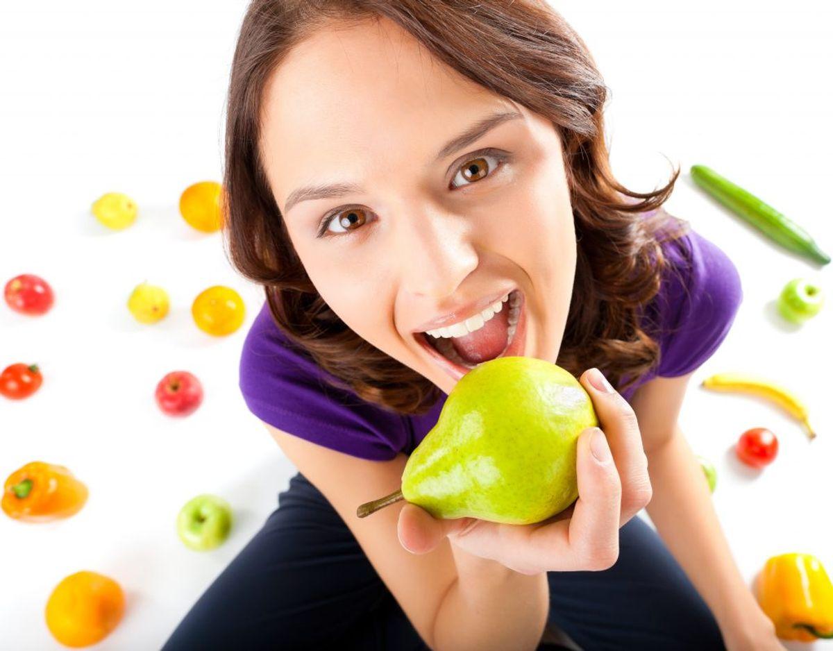 Det er vigtigt, at du skyller frugt, inden du spiser det råt. Genrefoto.