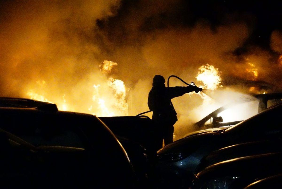 Brandvæsnet fik sit at se til. KLIK FOR FLERE BILLEDER.