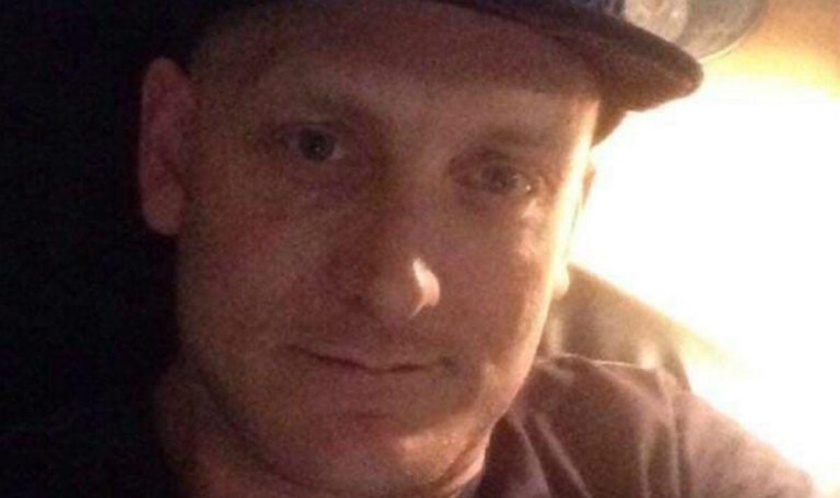 Daniel Jepsen fra Aarhus vil sende en gave til sine kammerater i Sdr. Omme Fængsel. Foto: TV2 Østjylland/Privat