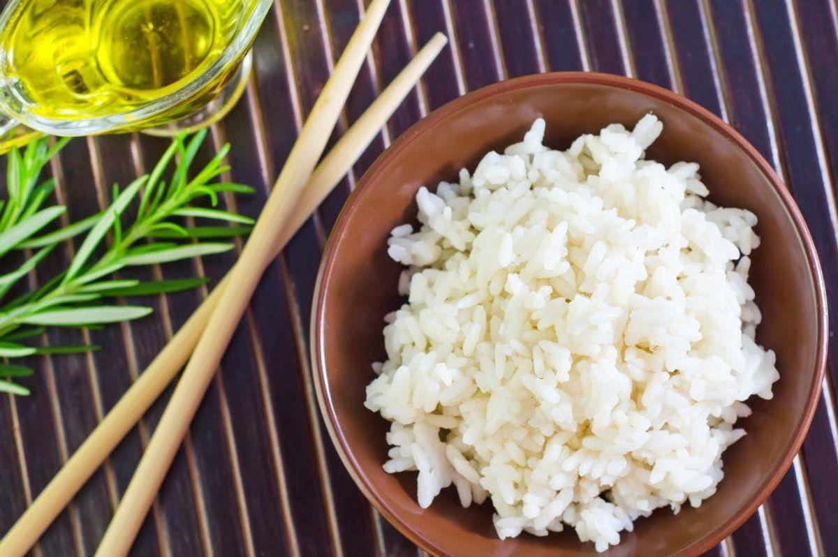 Sæt rester af ris, pasta og i køleskabet, inden der er gået en halv time. Kilde: Samvirke. Arkivfoto.