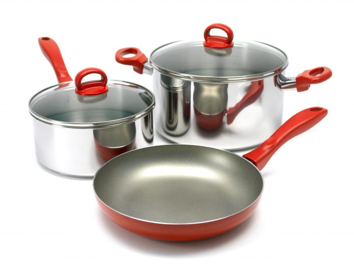 Brug pudsemidlet til rustfrit stål for at få grejet tilbage til fordoms stortid. KLIK og se, hvad du kan gøre for at undgå det i fremtiden. Foto: Colourbox.