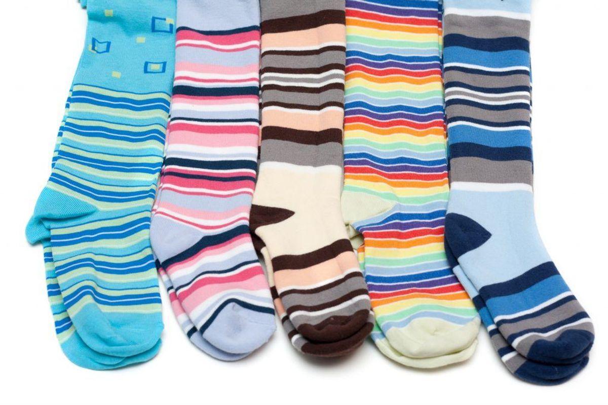 Undrer du dig også over, hvor alle dine strømper er blevet af, når du har vasket? Hvis du lægger strømperne i maskinen først, og derefter det andet tøj, er sandsynligheden for, at sokkerne bliver filtret ind i det andet tøj mindre. Kilde: Reader's Digest. Arkivfoto.