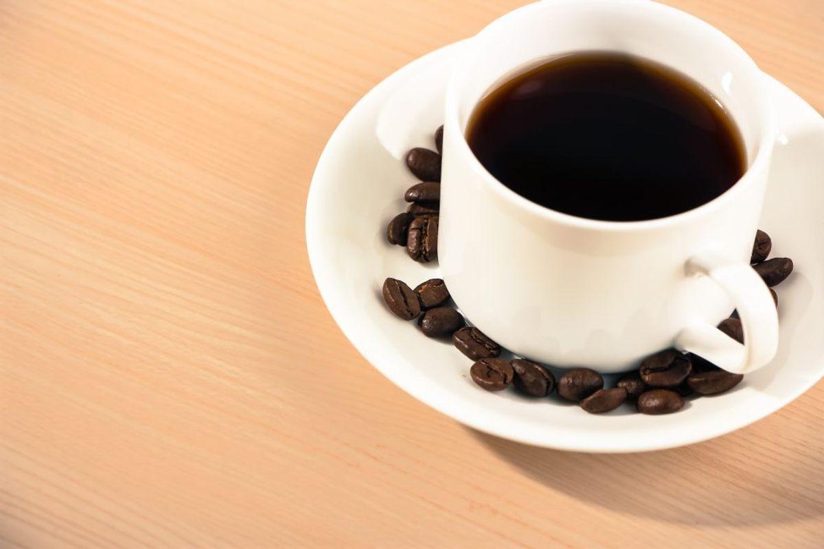 Hvis du drikker kaffe eller te uden mælk og sukker, så kan du drikke op til fire kopper om dagen, der tæller med i dit 'vand'-budget. Foto: Colourbox