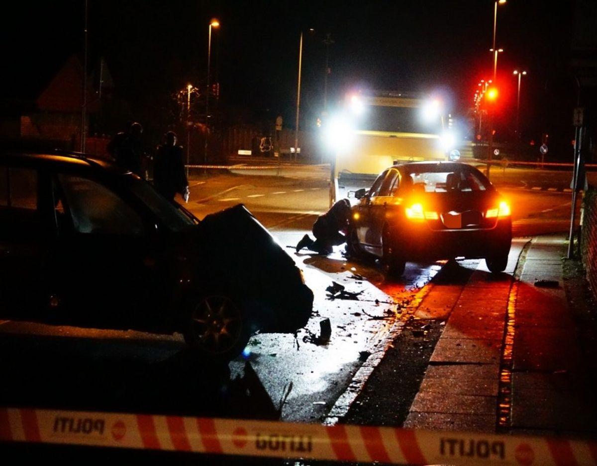 En 22-årig mand er onsdag aften blevet påkørt bevidst af en gruppe mænd. Efterfølgende blev han overfaldet af dem og stukket i benet. Foto: Presse-fotos.dk