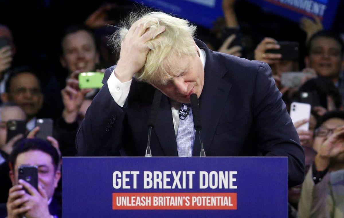 Britiske medier er ikke i tvivl: Dagens valg er historisk vigtigt. Foto: Hannah McKay/Scanpix.