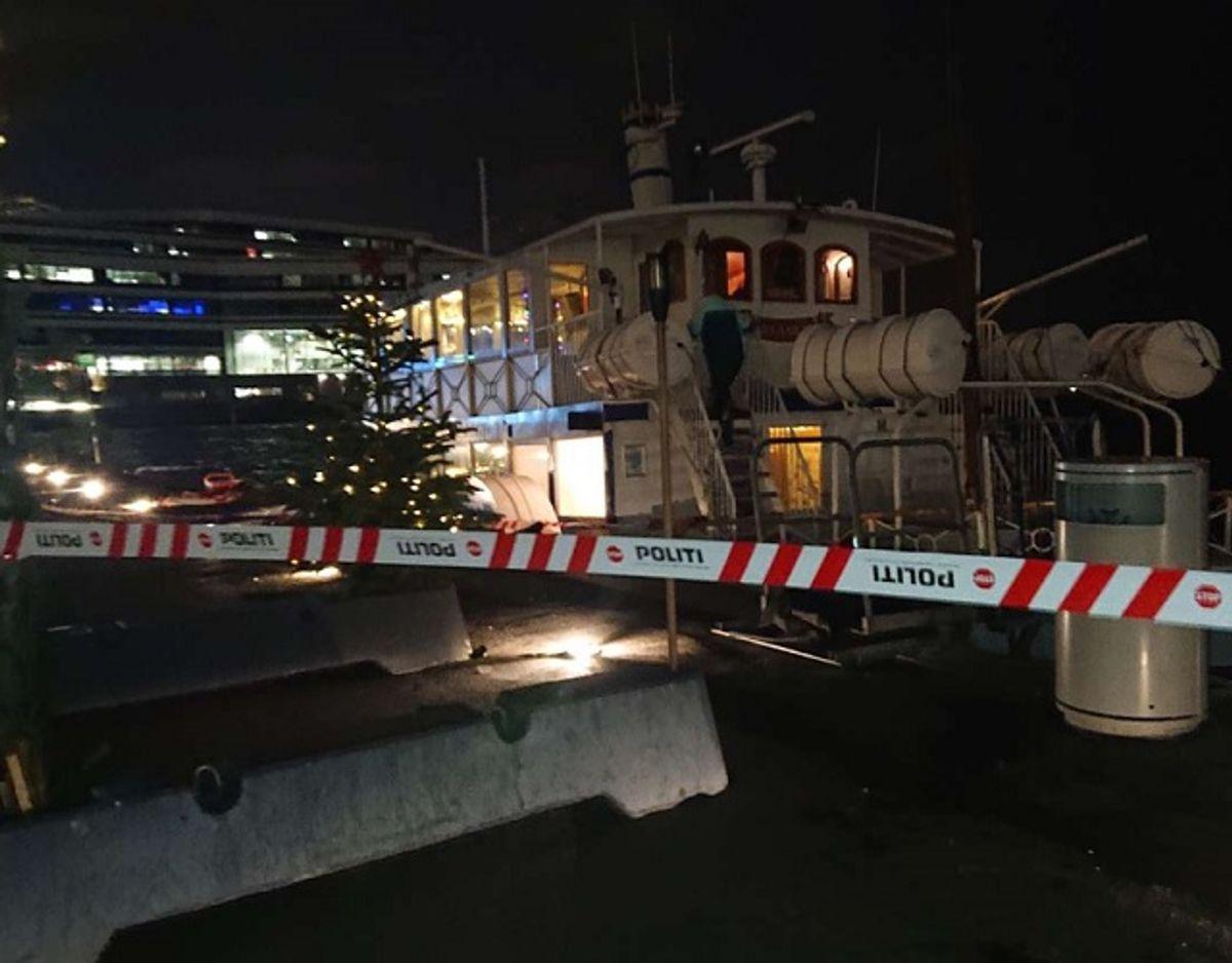 Tre personer faldt tirsdag aften i vandet i Aarhus Havn. KLIK og se mere. Foto: Øxenholt Foto.