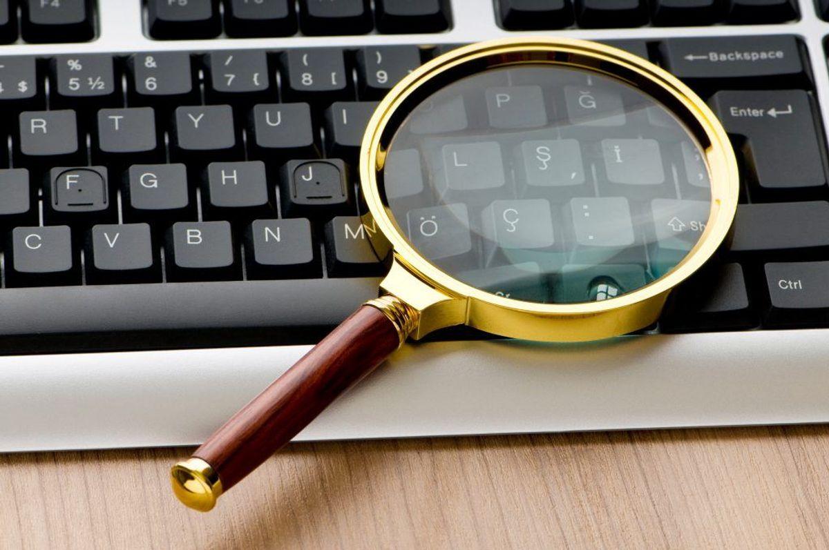 3: Hackere udnytter, at mange personer ikke tænker på vigtigheden af internetsikkerhed. Et antivirusprogram kan give dig en grundlæggende beskyttelse på nettet, men det er samtidig vigtigt at bruge sin kritiske sans.