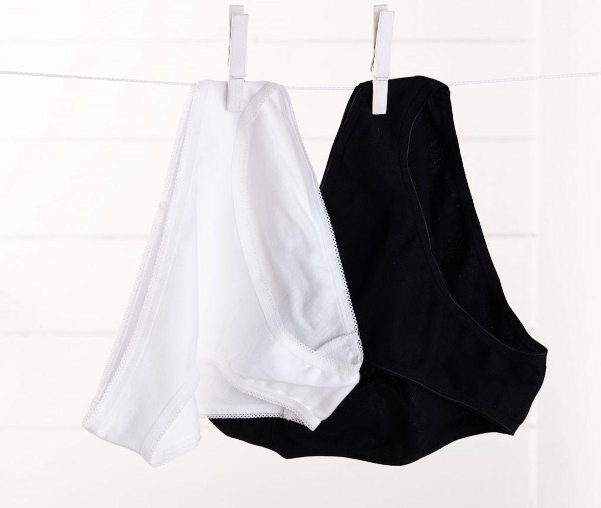 Mørkt tøj bør generelt vaskes på lav temperatur, da det på den måde holder bedre på farven. Kilde: Readers Digest. Arkivfoto.