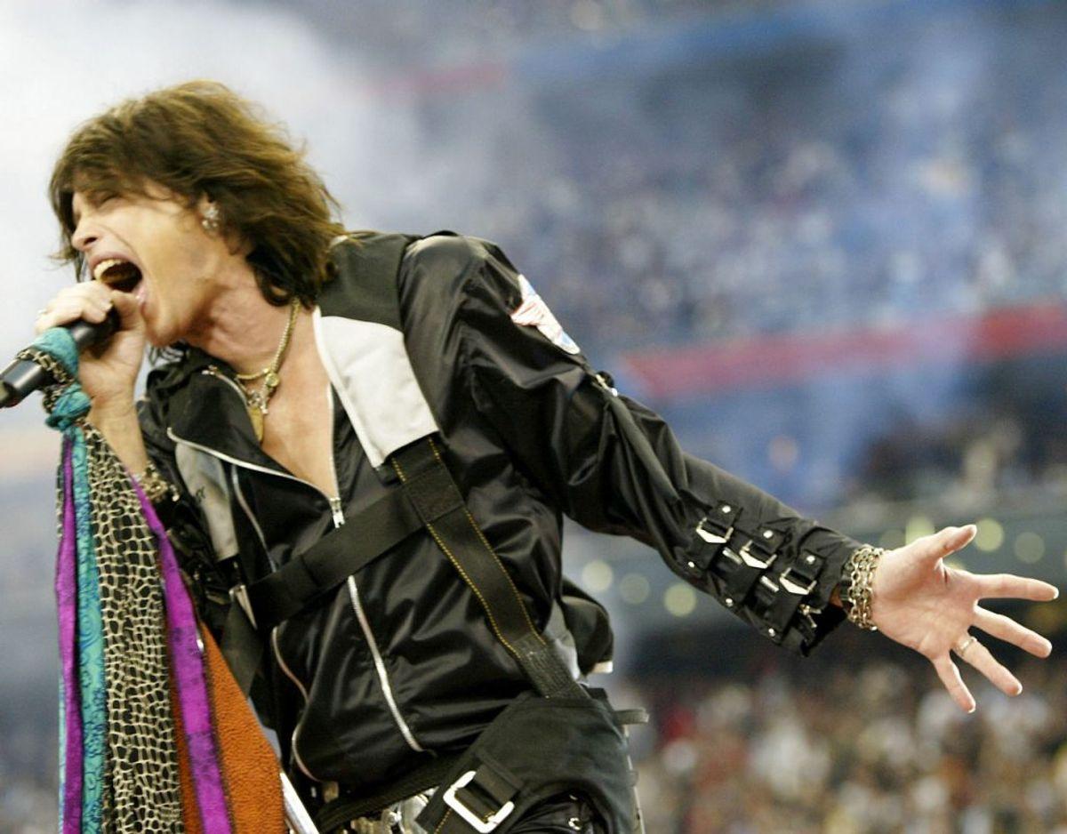 Aerosmith's Steven Tyler er kendt for sin stemme på de mange hits. Foto: Scanpix
