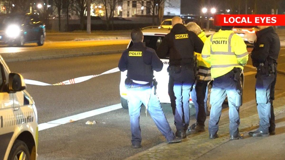 En fodgænger har slået hovedet slemt i forbindelse med en parallelparkering. KLIK FOR FLERE BILLEDER. Foto: Localeyes.dk