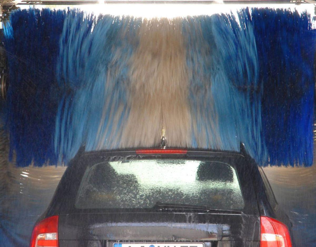 3. Vask bilen løbende, især om vinteren, hvor der er meget salt på vejene.
