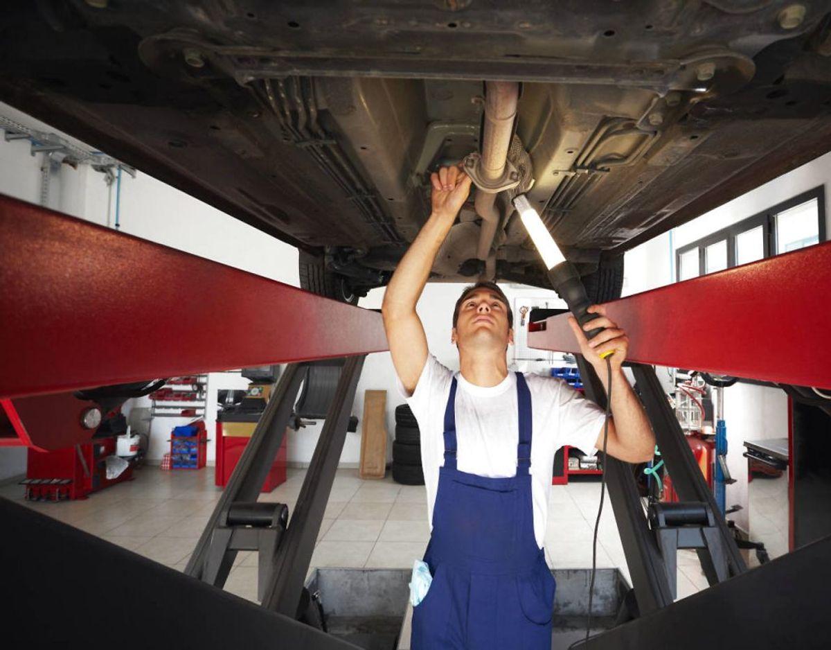 5. Når bilen er til bilsyn, så lad synsmanden vurdere, hvornår den bør (gen)behandles, og følg hans anvisninger.